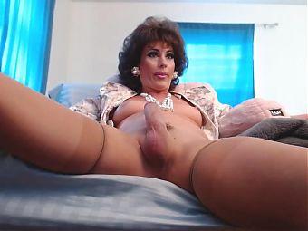 Mature shemale webcam cock masturbation